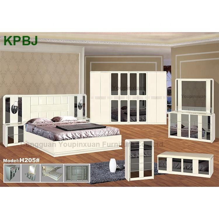 Customize OEM Light Luxury Stylish House Bed MDF Mirrored Glass Bedroom Furniture Sets