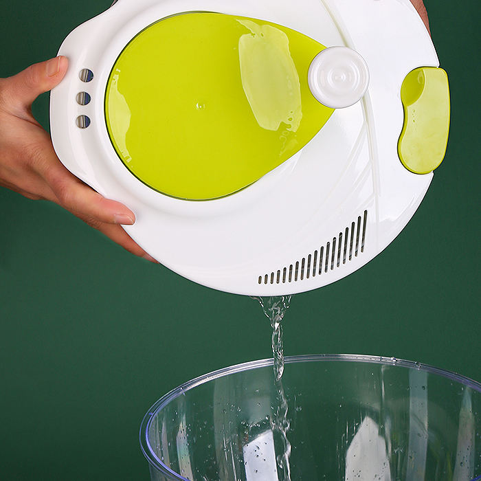 Kitchen multi-functional plastic vegetable salad spinner and slicer