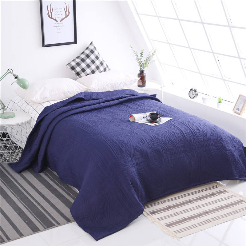 Wholesale cheap price classic pattern polyester blanket throw for summer