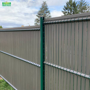 Outdoor Cheap 3D Triangle Bending Wire Mesh Panels Green Privacy Screen Fence