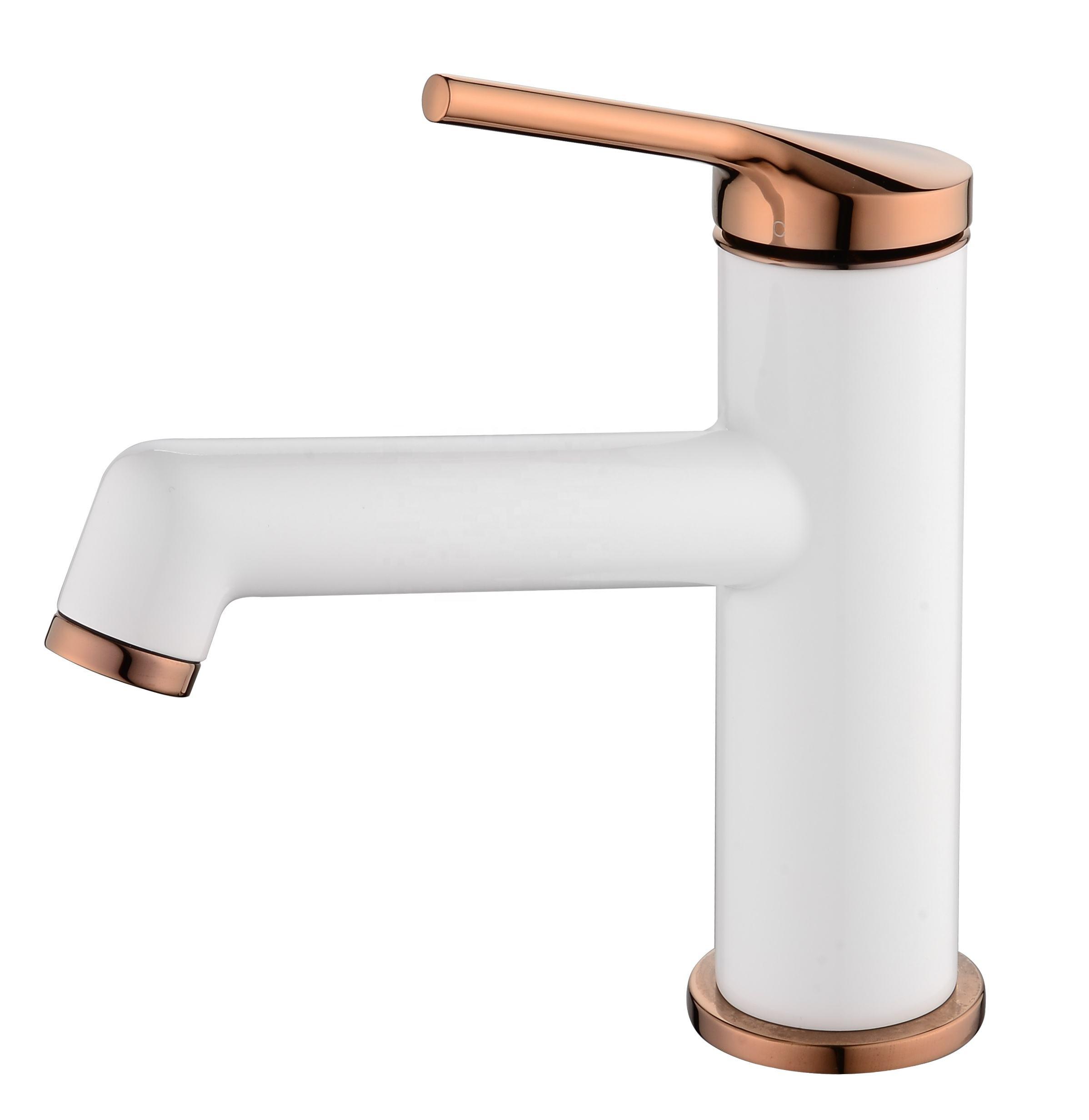High End Chrome Deck Mounted Brass Gooseneck Kitchen Sink Mixing Tap Faucet