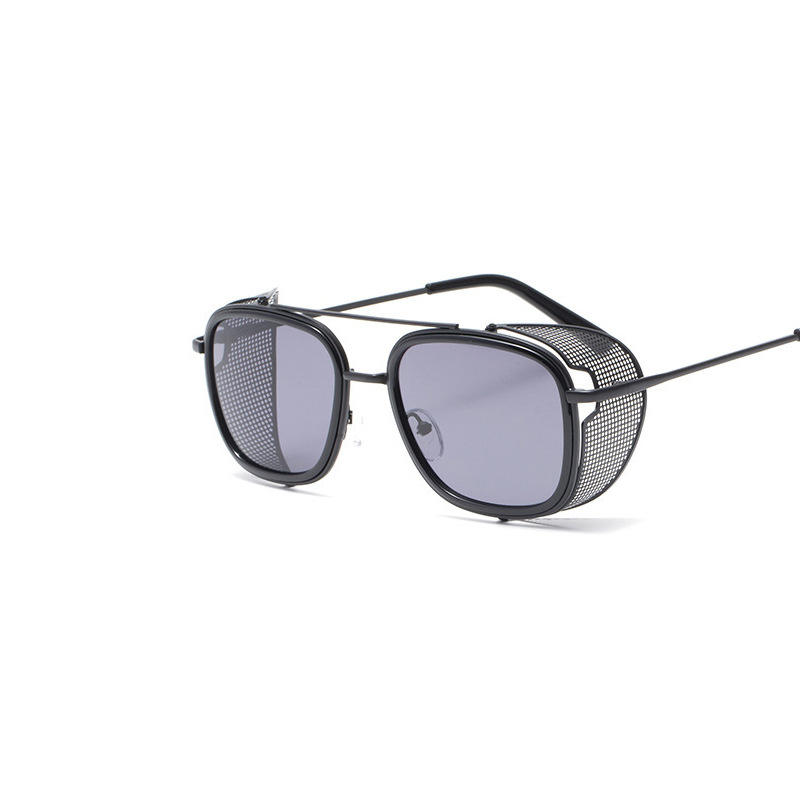 Wholesale Uv400 Fashion Gray 2021 Sunglasses For Woman With Side Protection