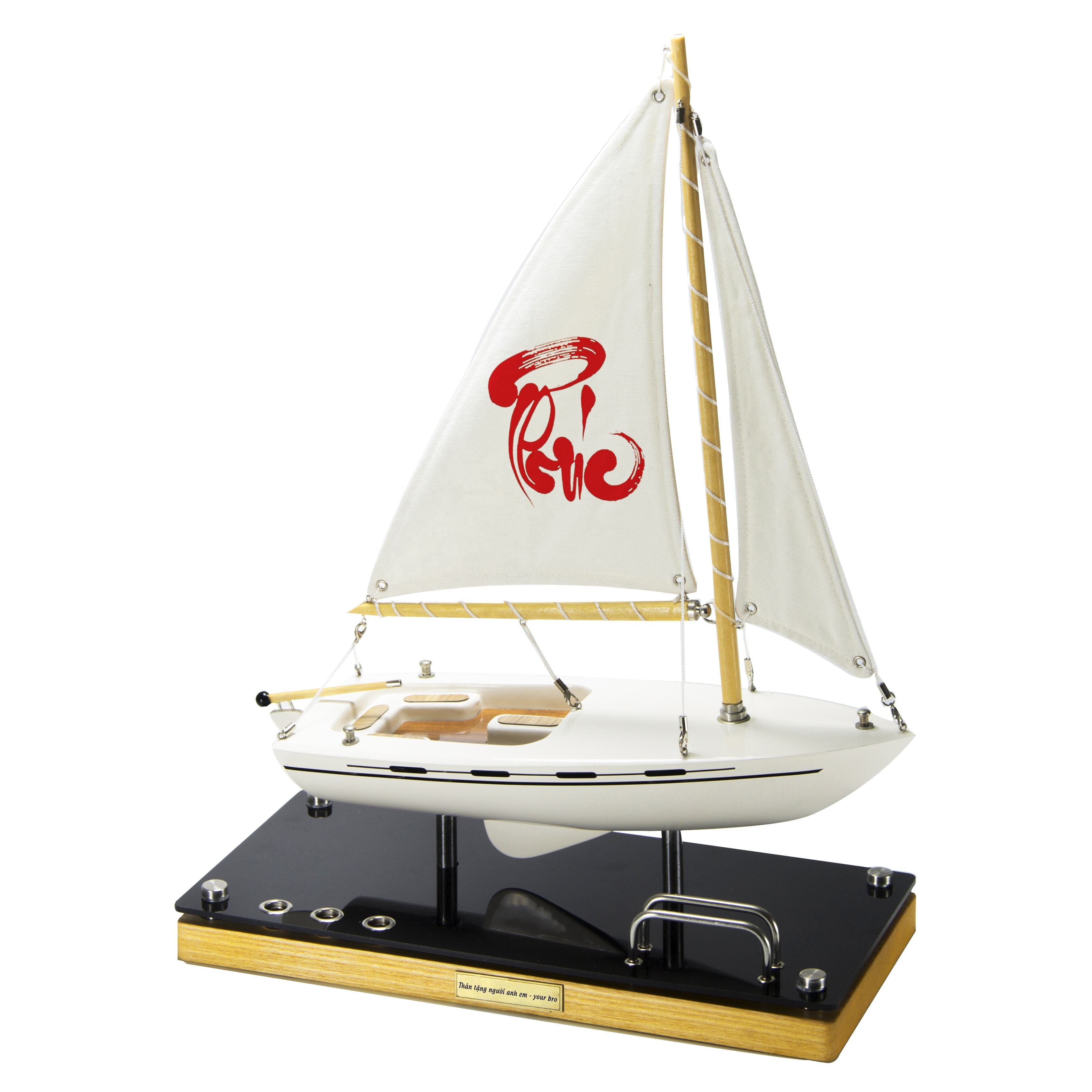 Meaningful business gifts that bring good luck are made from composite and precious woods boat model with wholesale