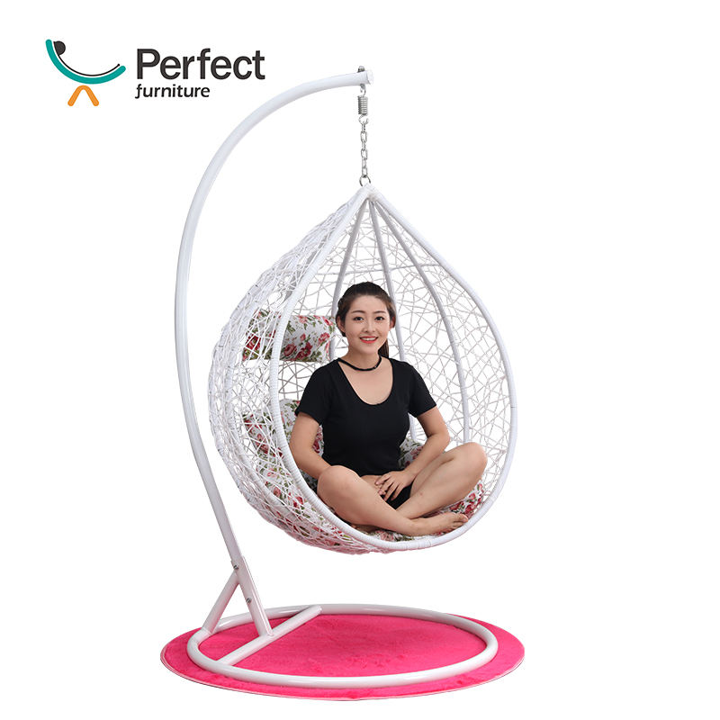 Outdoor courtyard iron one person swing chair bamboo swing chair