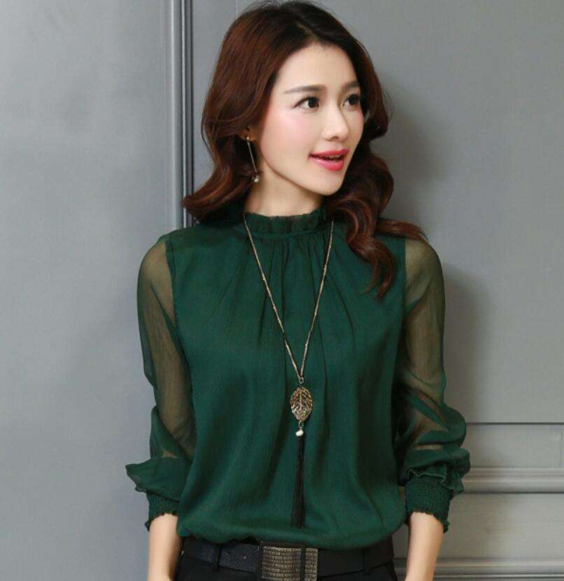 Long-sleeved women blouse with flannelette chiffon and ruffled collar