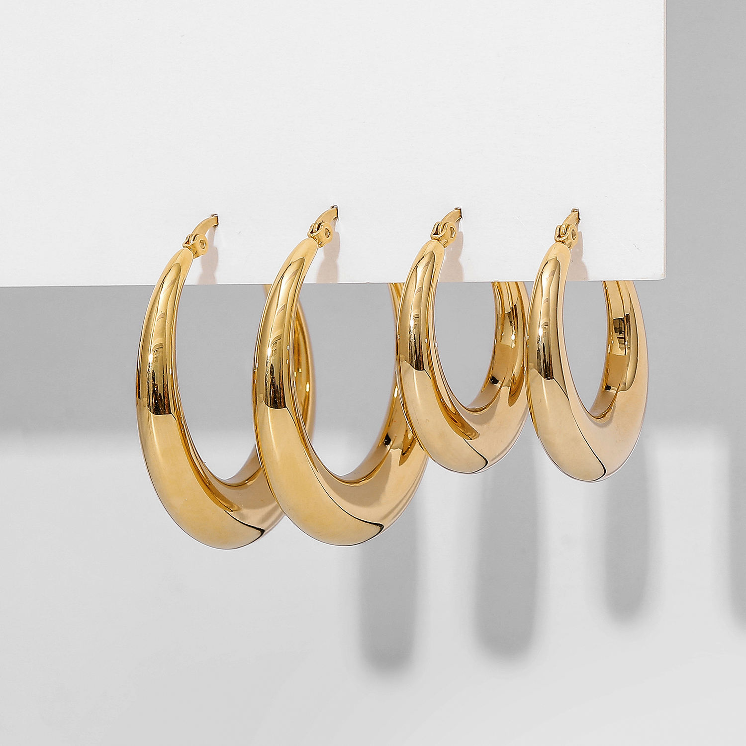 316L titanium steel hollow Crescent smooth earrings Real 18K gold plated stainless steel hoop earrings