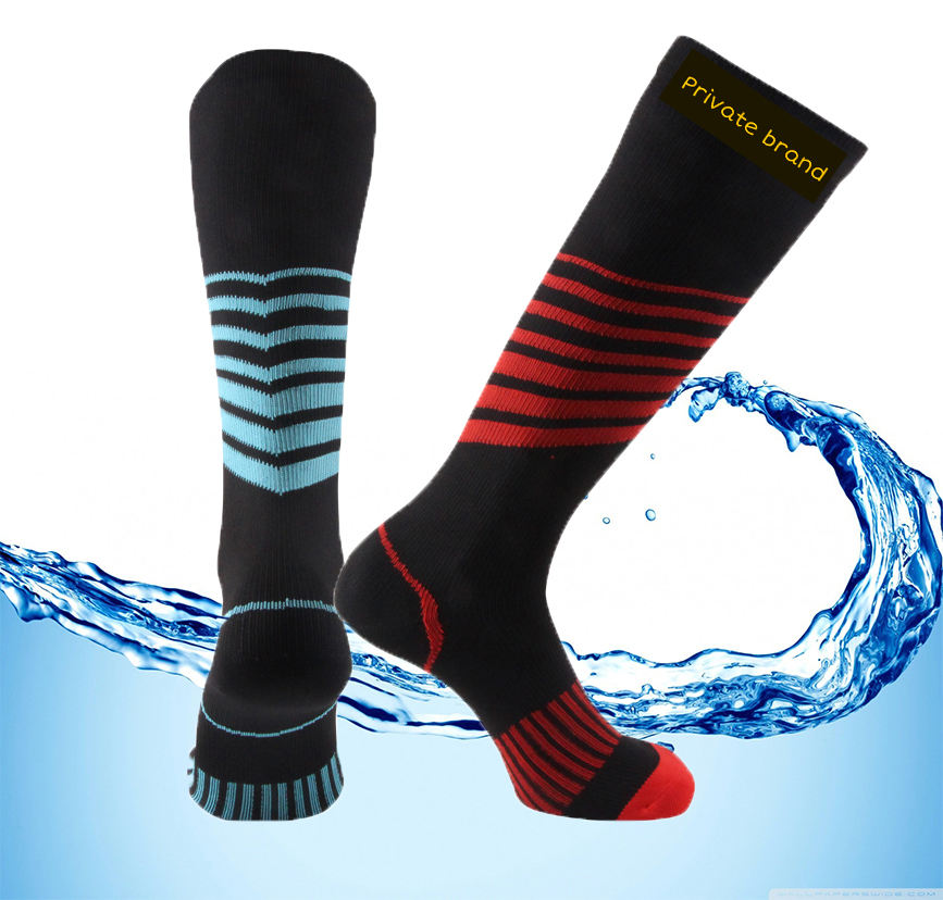 three layers logo custom sport socks seamless breathable cycling hiking socks men women kids for fishing running ski golf biking