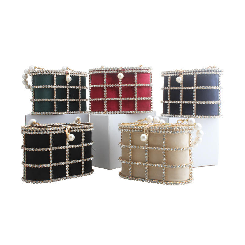 2020 new European and American fashion metal hollow Clutch velvet handbag dinner Party bag Diamonds bracelet hand bag female