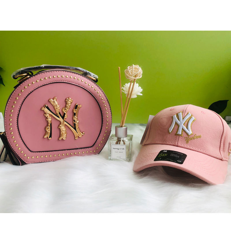 Wholesale price fashion luxury new york matching caps hat and purses for girls