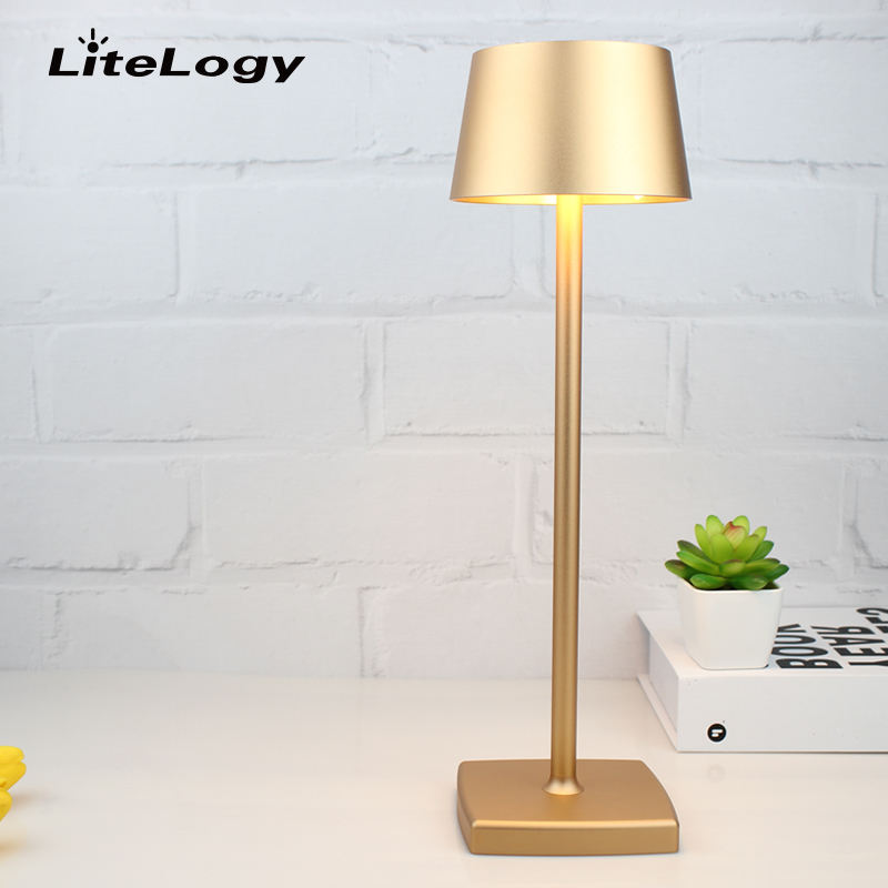 Cafe dining room decorative gold desk lamp adjustable battery operated cordless rechargeable led table lamps with shade