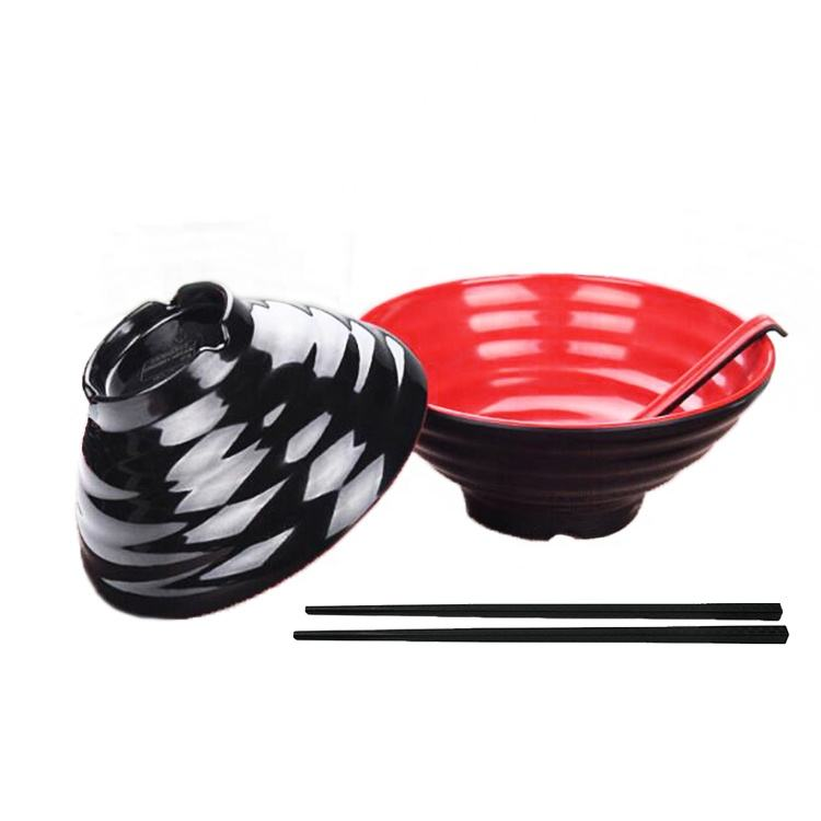 New Japanese Style Plastic Bowls Black Red Melamine Soup Noodle Ramen Bowl with Spoon and Chopsticks