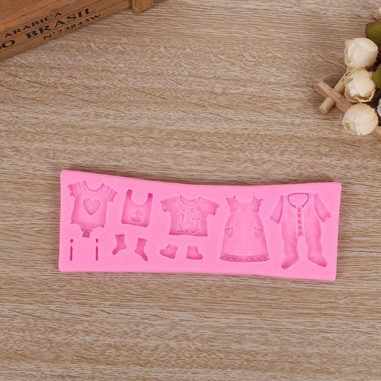 Factory Sell 3D Baby Clothes Shower DIY Silicone Mould Fondant Kitchen Cake Decorating Mold for Chocolate Baking Tools