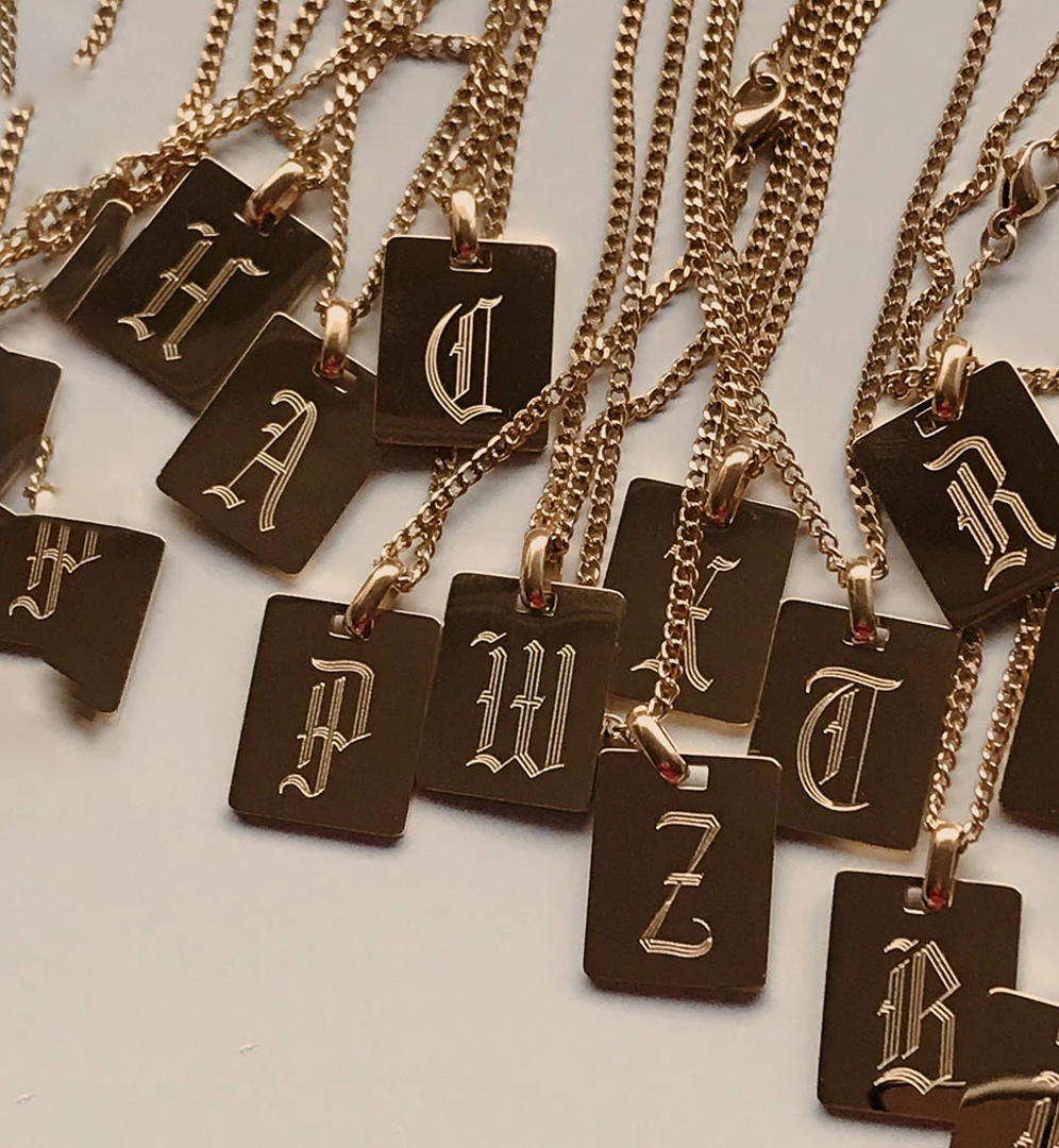Wholesale Fashion Gold Plated Stainless Steel Necklace Jewelry 26 Alphabet Minimalist Design Old English Personalize Necklace