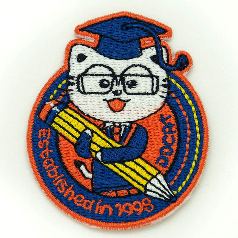 Customized LOGO fabric embroidery patch badge sewn garment woven embroidery badge