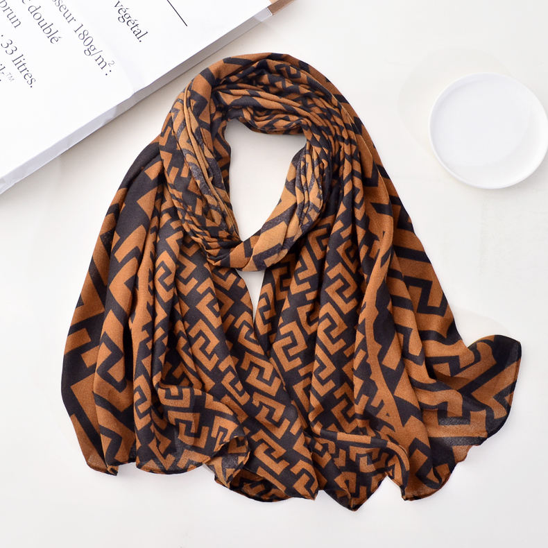 Manufacturer 2020 new arrival luxury female head scarf ladies brown black letter C printed designer fashion scarves women hijabs