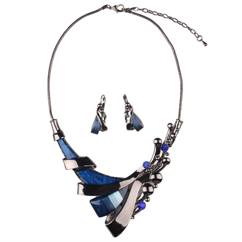 Fashion European and American Exaggerating retro geometric blue jewel collar jewelry necklace sets.