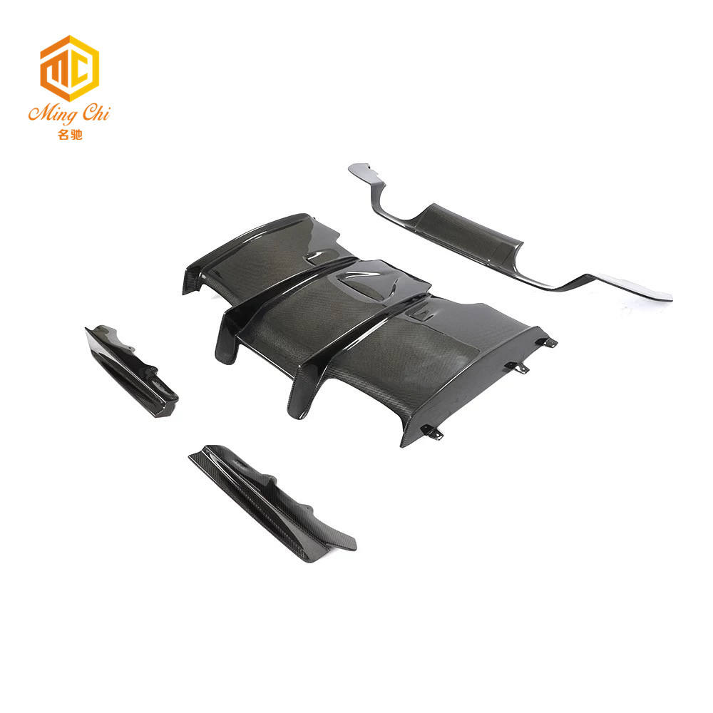 The high-quality carbon fiber rear diffuser is suitable for BMW M3 M4 F80 F82 F83 psm rear bumper spoiler 15-20