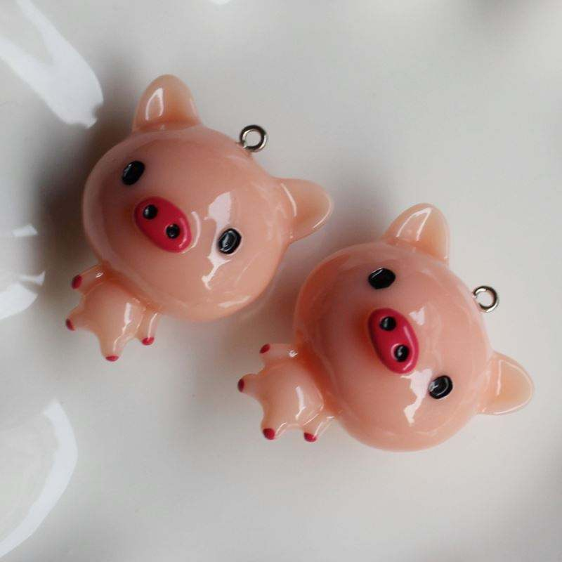 Sell Well Cute Novel Design 39mm Kawaii Pig Shape Style Loose Resin Bead 39mm with 2mm Top Hole for Baby Kids Decoration
