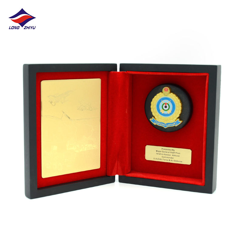 Longzhiyu 13 years china professional supplier custom wooden honor shields customised plaque award with wooden box
