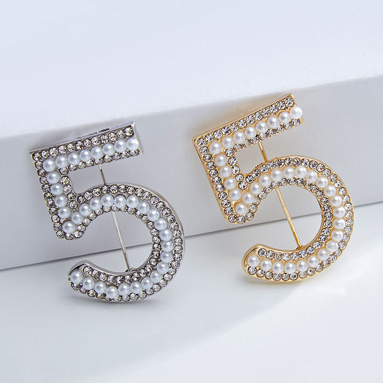 Famous Luxury Pearl Rhinestone Clothing Scarf Brooches Number 5 Designer Brooch Pins For Women
