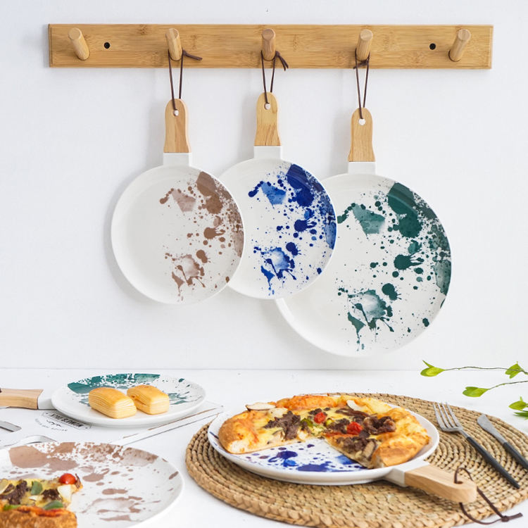 Manufacturers direct wholesale ceramic dinner plate creative wooden handle plates for restaurants