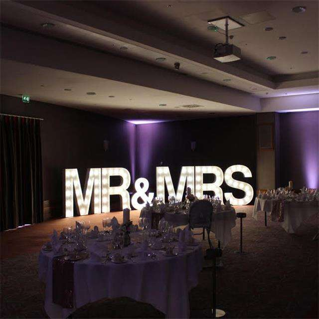 wholesale Led Signs Led Marquee Light Vintage LOVE Signs Marquee Letters custom signs Light Up Letters For Wedding