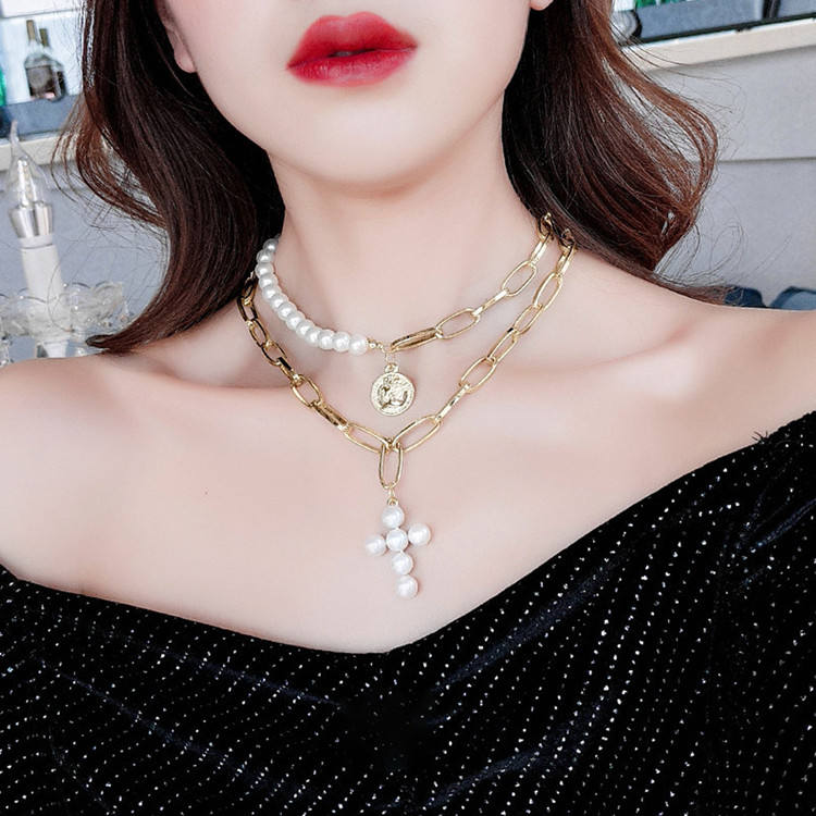 Popular necklace fashion pearl cross lady thick chain multi - ply wafer portrait pendant