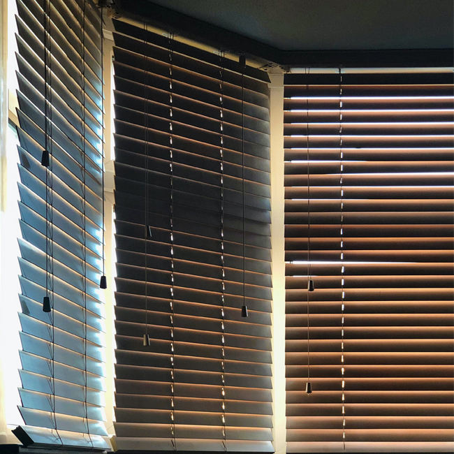 Factory cheap price remote control sun-resistant venetian window blinds for home furinishing