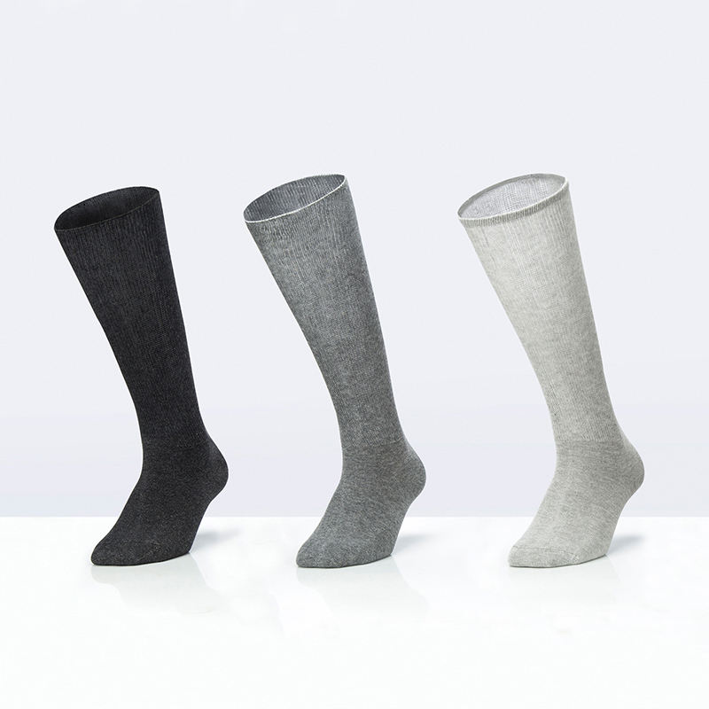 Customizable non-binding silver anti-bacterial diabetic socks for reducing inflection