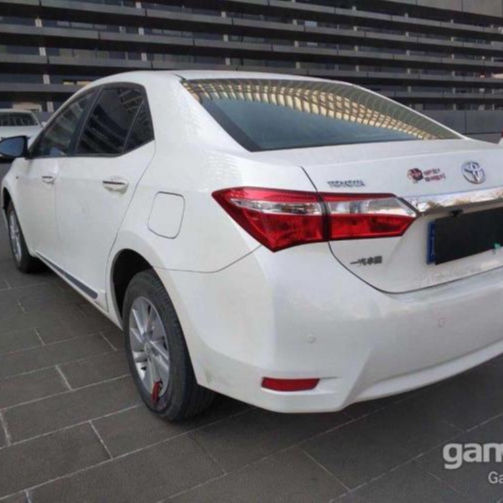 Used cars Toyota Corolla the year of 2014 1.6L automatic transmission with very competitive price