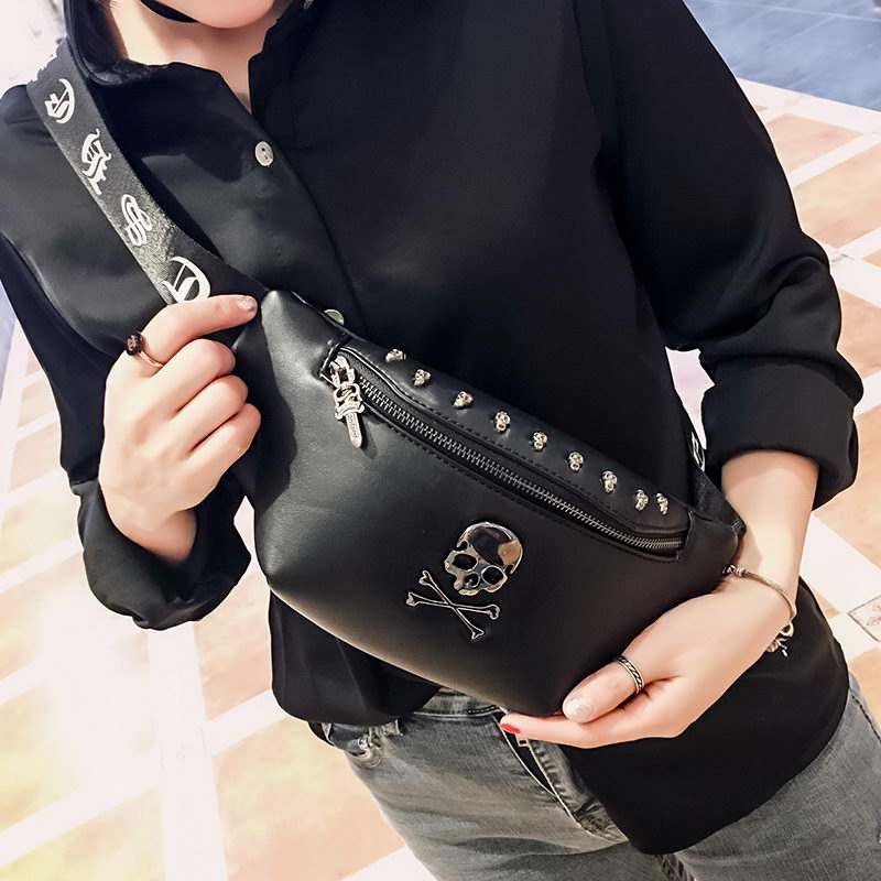 Rock Skull Unisex Belt Bag Rivet Chest Bag Luxury Punk Black Fanny Pack Leather Men Waist Bag