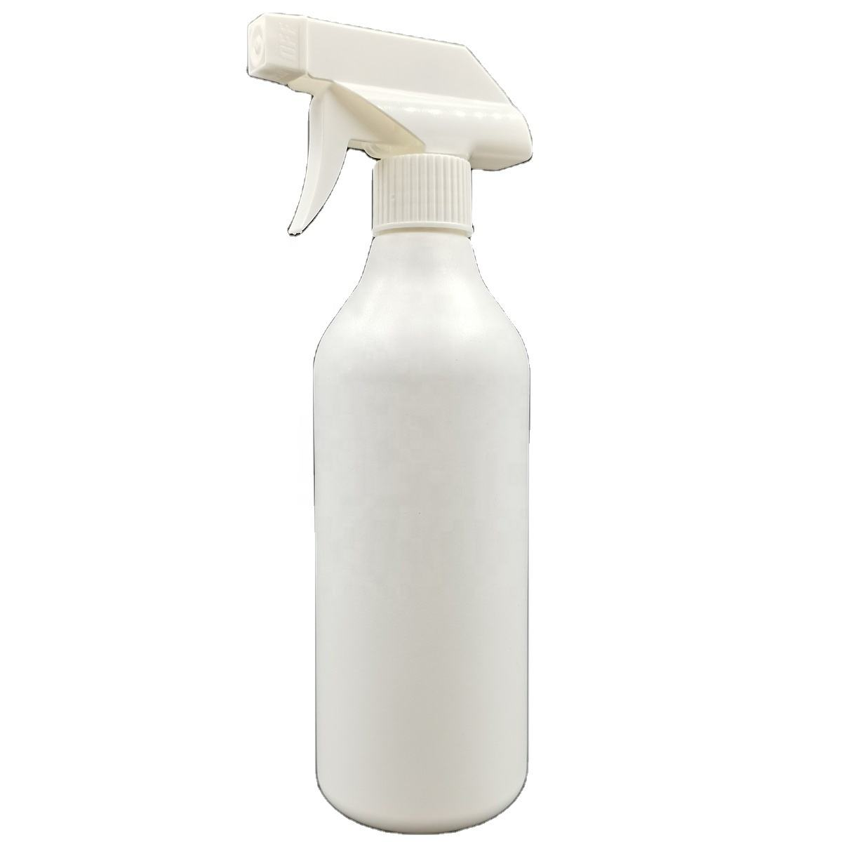 Hot style 500ml hand-clasped PE spray bottle with glossy surface for family use in 2021