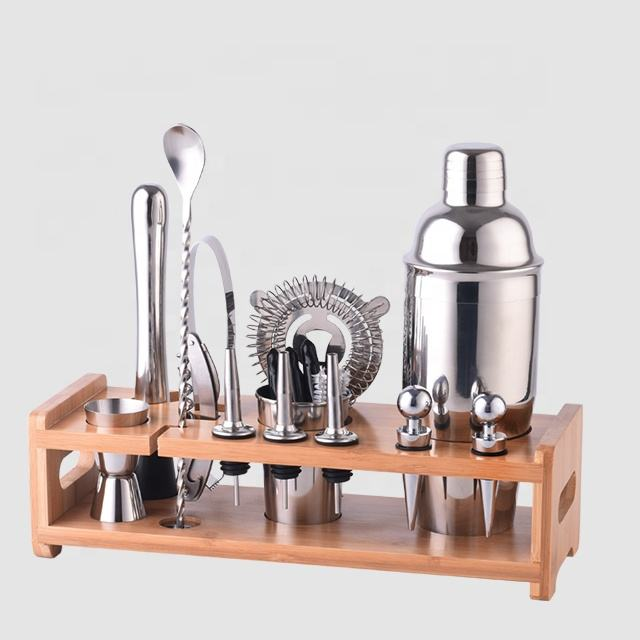 Factory Direct 700ml bamboo wood holder stainless steel cocktail shaker bar tool barware set color gift box
