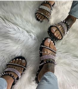 2020 New Fashion Women Flat With Block Buckle Strap Open Toe Summer Lady Rivet Sandals