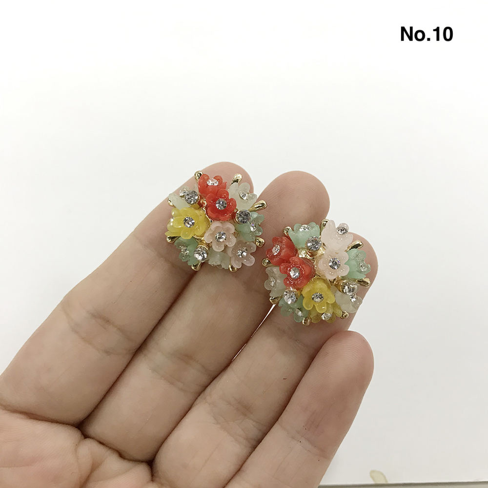 HOT Selling Resin Flower Rhinestone 3D Garments Decoration For Clothing Rose Buttons