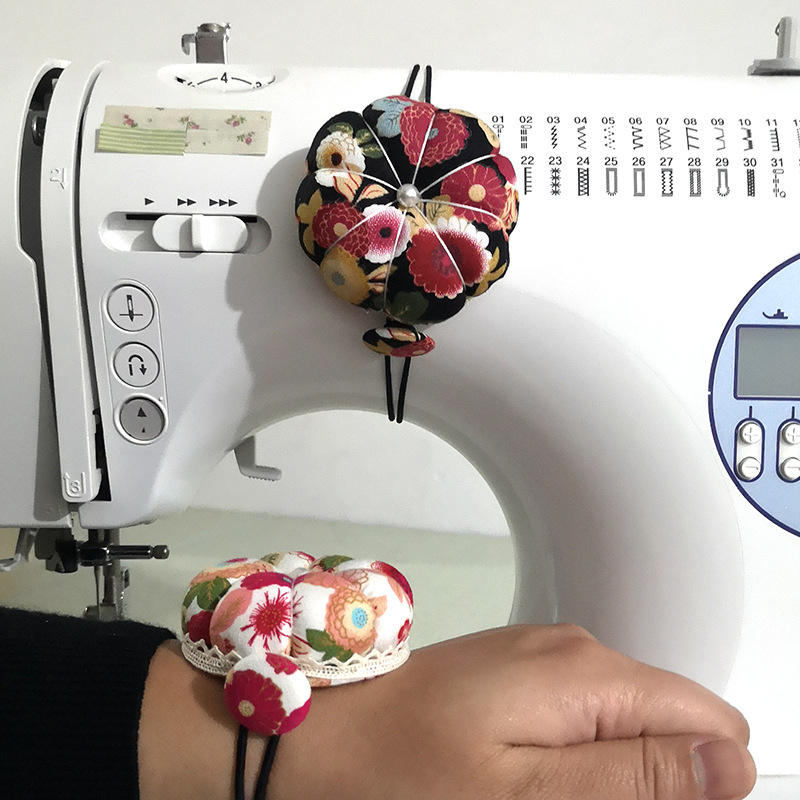 Sewing Machine With Dual-Use Pin And Pumpkin Pin Pack Wrist Pin Cushion