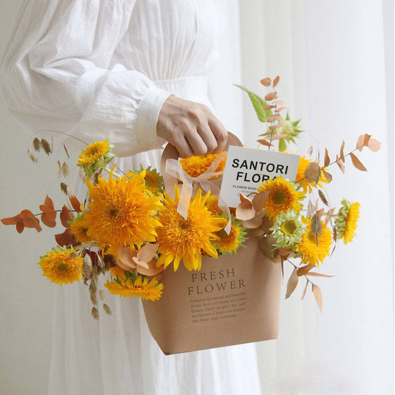 Fresh Flower with Handle Floral Basket Folding Kraft Paper Flower Gift Boxes Wedding packaging products