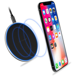 2020 Hot selling Small 10W Max Qi-Certified Fast Wireless Charging Pad Compatible with Phone 11/XS Max/XS/X/8, Charging for Home