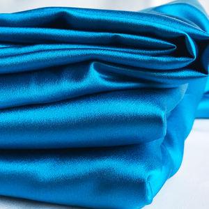 """Marrón//Azul Turquesa dos tonos de color Habotai Tela Forro De Seda 44/"""" de ancho"""
