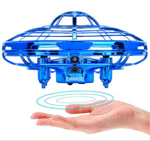 Amazon Top Christmas Gift Favor Induction Quadcopter Hand Operated Drone Flying Toys For Kids Mini UFO Drone Toy