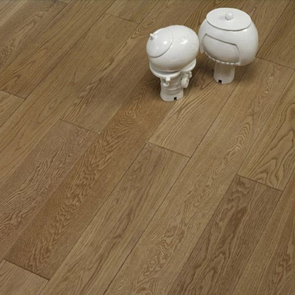 Natural White Oak Prefinished Solid Wood Flooring