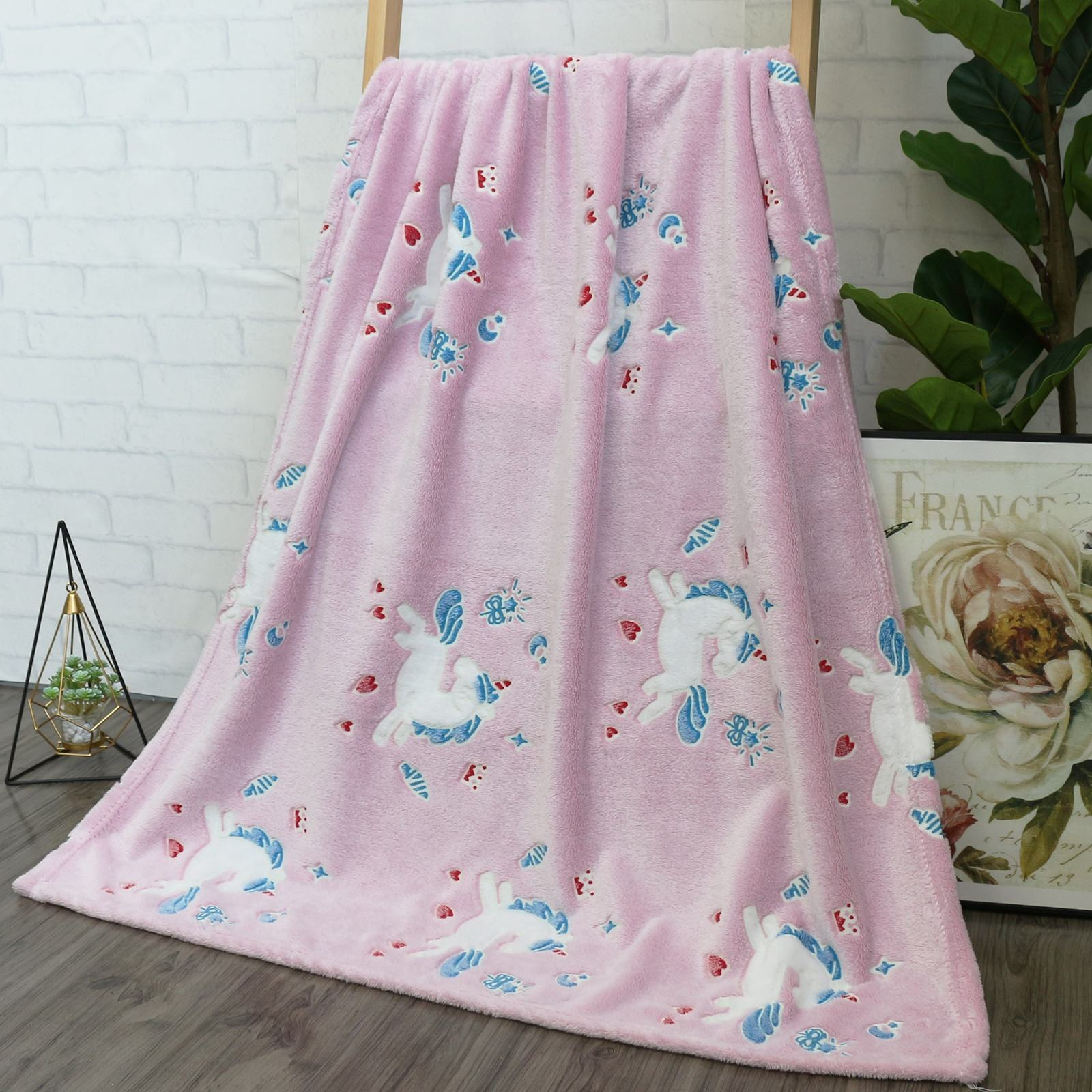 New design Pink Unicorn luminous blanket Glow In The Dark Flannel Throw Blankets for kids 100*150cm