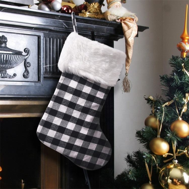 China reliable factory produce Wholesale Black and grey Plaid Christmas Plush Stockings in white cuff