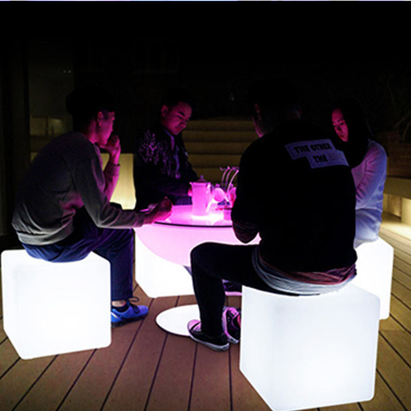 2020 New design Wholesale illuminated 16 colors changing led cube chairs for Sale