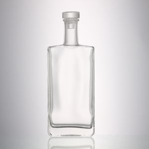 High quality air tight square shape rectangle clear drink wine liquor spirits gin glass bottles with cork