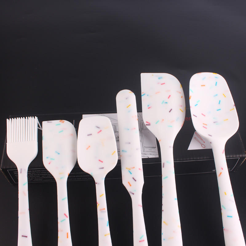 Best Selling Kitchenware Cream Scraper Hot Selling Baking Tool Spatula Brush Set
