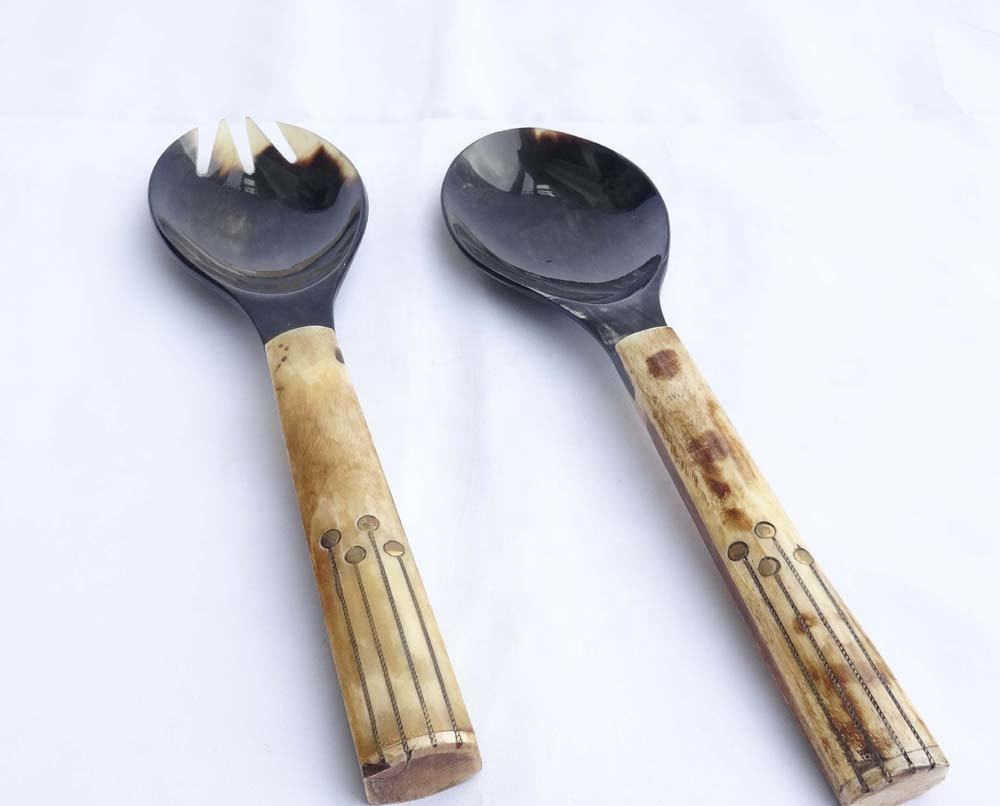 Natural Buffalo Horn Salad Serving Set with Brass Lines in Bone Handle