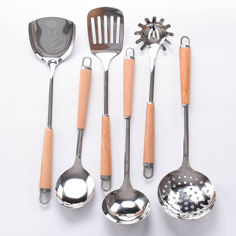 High quality stainless steel kitchenware kitchen accessories cooking with wood handle Spatula