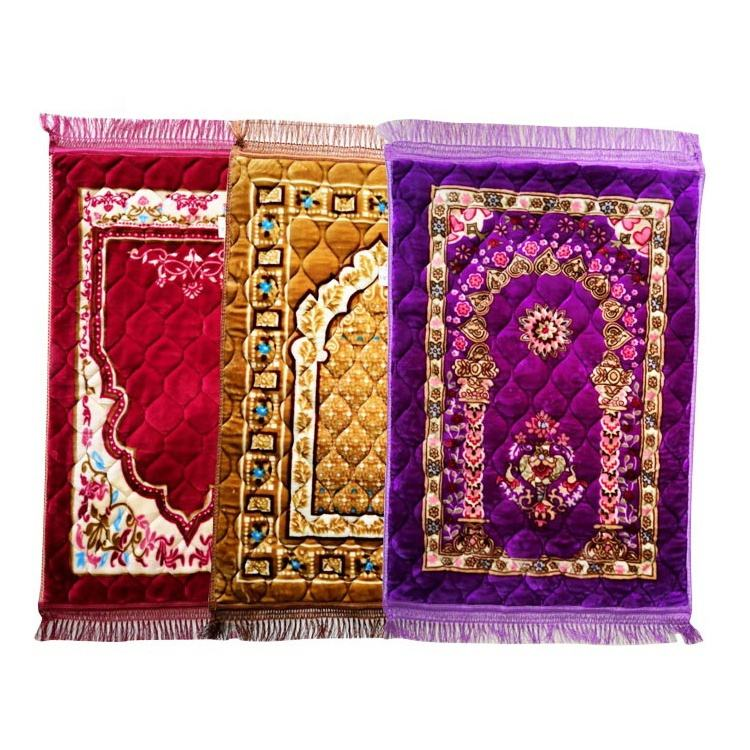 Low price high quality quilted premium prayer mat for muslim