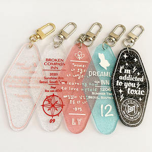 Custom pink blue transparent diamond heart engraved hotel glitter acrylic keychain